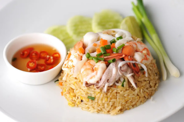 Тайский жареный рис Као Пад