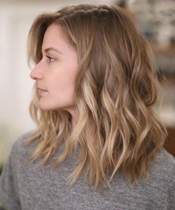 8 mẫu tóc xoăn lỡ giúp nàng trông thời thượng mà không bị già
