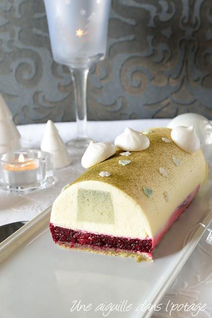 Bûche-thé-matcha-griottes-chocolat-blanc-sillikomart