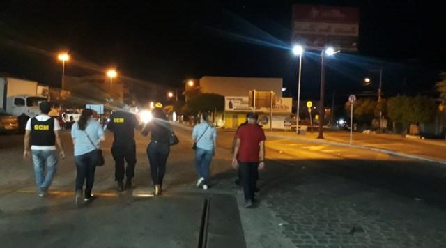 Vigilância Sanitária e Guarda Municipal realizam fiscalização em bares, restaurantes e similares, em Patos