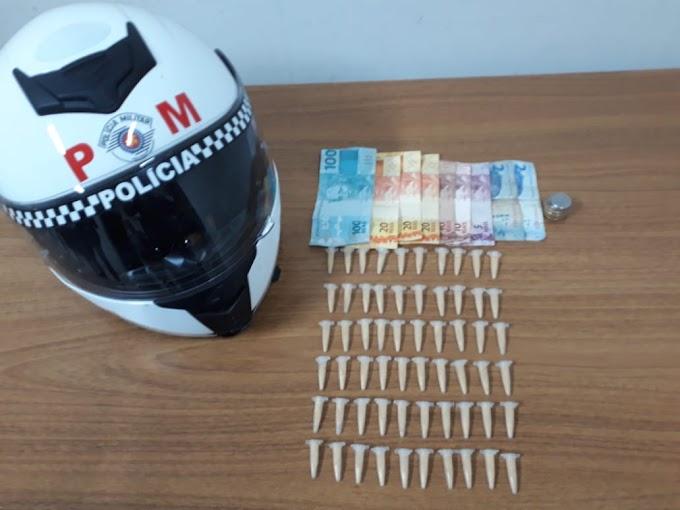 Rocam prende moça com 60 pinos de cocaína em Araçatuba