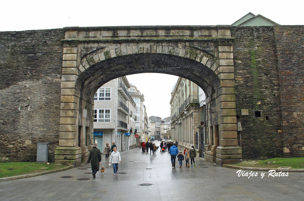 Puerta de la muralla de Lugo