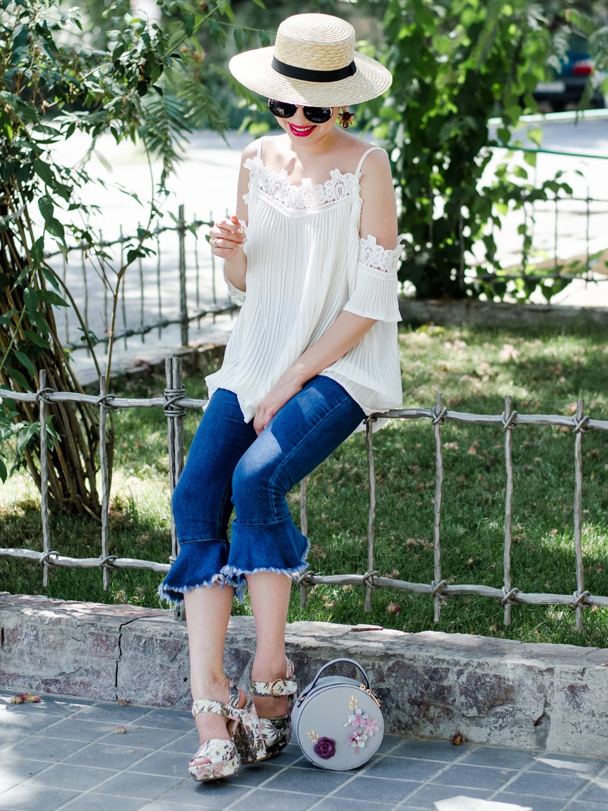 fashion blogger diyorasnotes diyora beta white pleted top cold shoulders ripped jeans straw hat asos high heels casual chic summer outfit lookoftheday