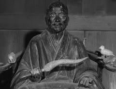 円覚寺仏光国師坐像