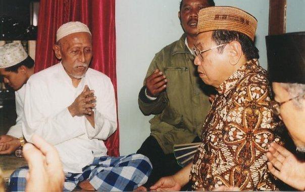 Gus Dur dan KH Abdullah Salam. (Dok. istimewa)
