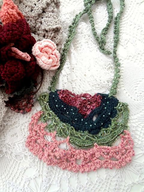 Esmée Freeform Crochet Necklace