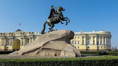 """памятник Петру I """"Медный всадник"""" за Исаакиевским собором"""