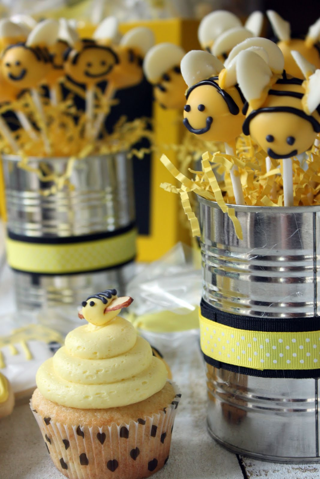 Bumble Bee Cake Pops Bakerella
