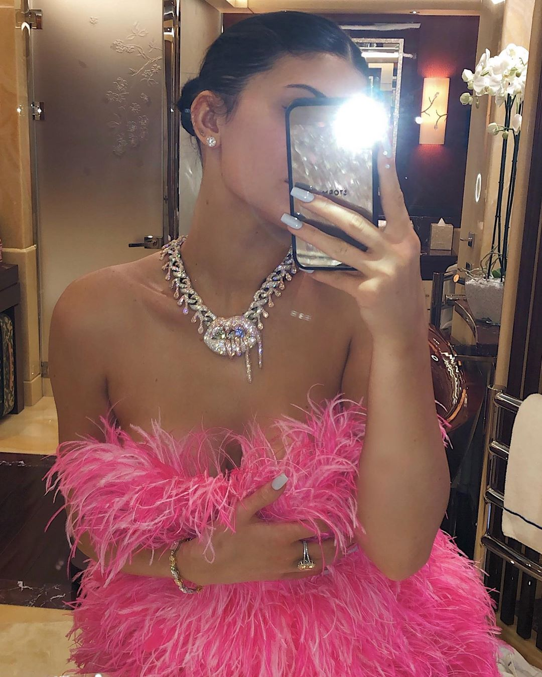 Kylie Jenner Shares Adorable 22th Birthday Photos