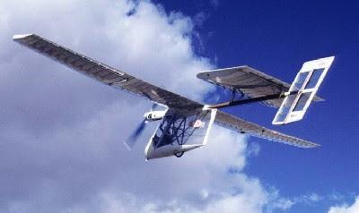 Pesawat Terbang Panel Surya