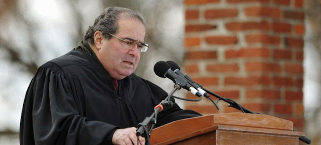 El Juez Scalia y Estados Unidos