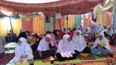suasana khemah jemaah haji di Arafah