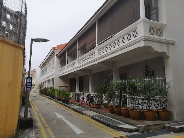 Behind Koon Seng Road rainbow house