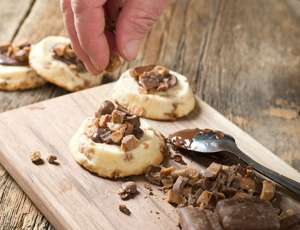 Easy Ice Box Shortbread Cookies from Hello Creative Family