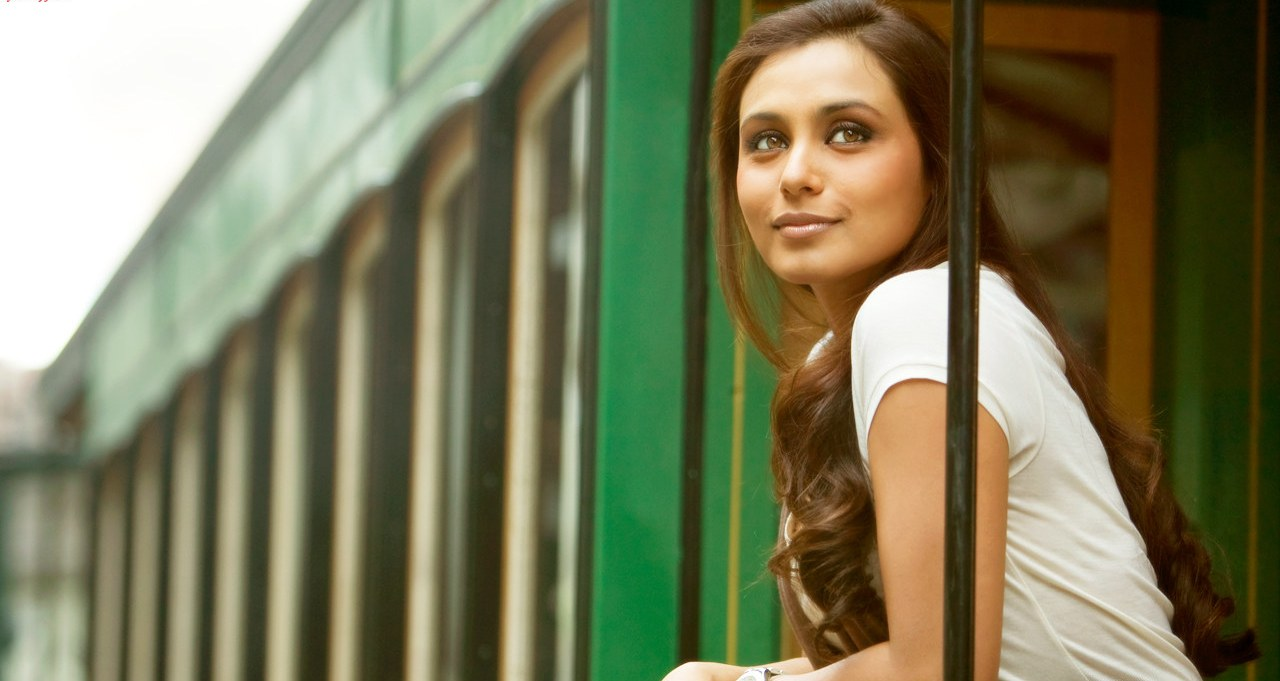 Rani Mukherjee Hot Pictures, Photo Gallery  Wallpapers-3361