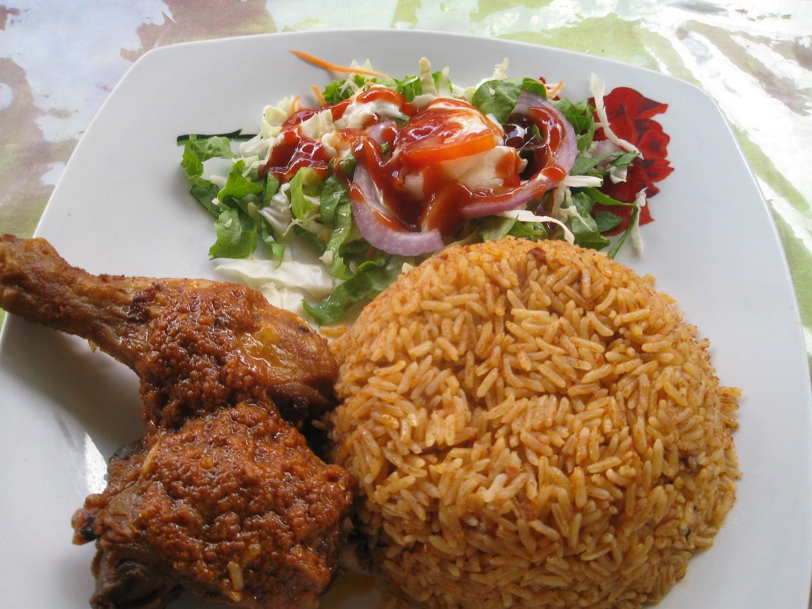 Easy Jollof Rice with Fried Plantain and Roast Chicken ...  |Chicken And Jollof Rice