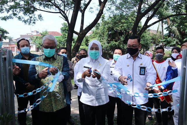 CSR Bank Sumsel Babel Percantik Taman di Kita Palembang