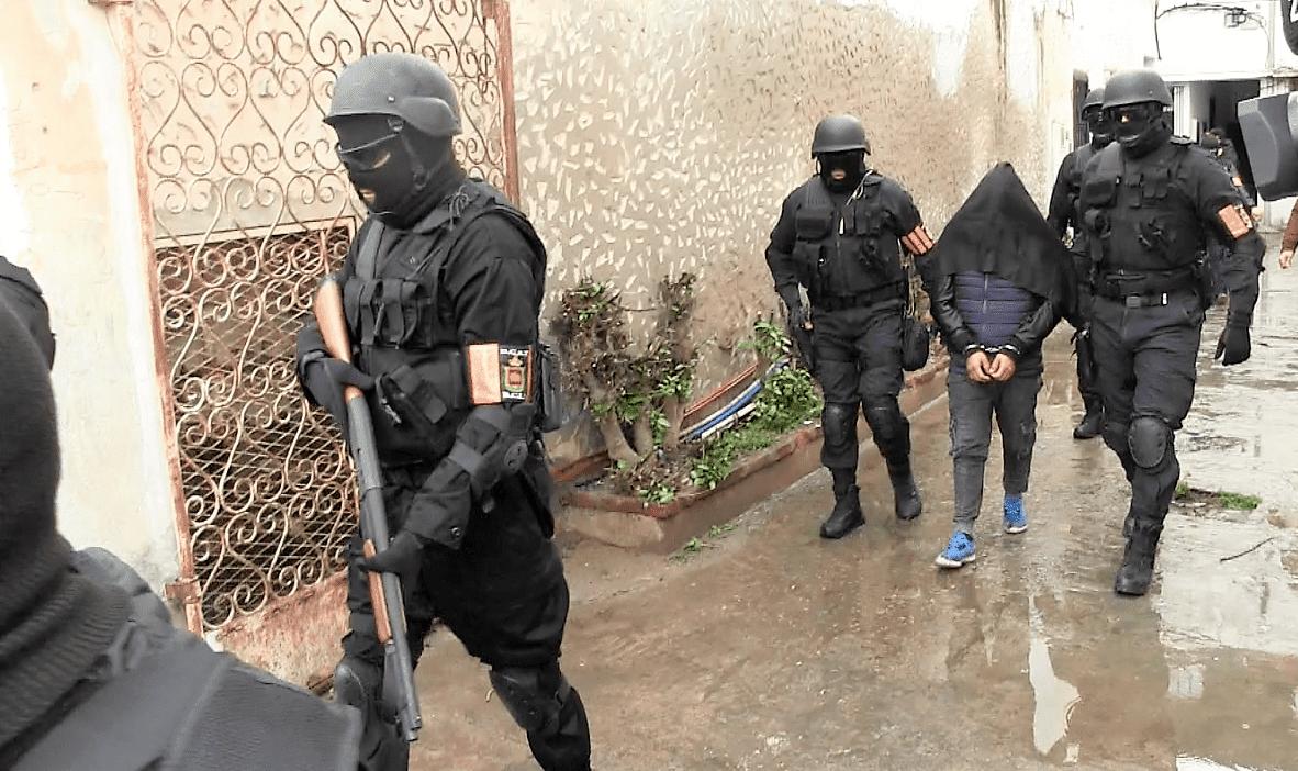 عاجل   اعتقال 4 دواعش بالناظور خططوا لتنفيذ عمليات إرهابية بمواقع حساسة بالمغرب