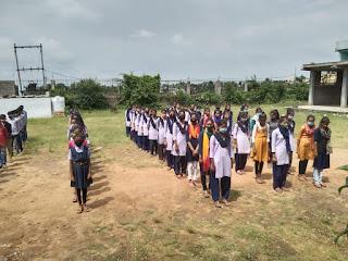 विद्यालय में हिंदी दिवस मनाया