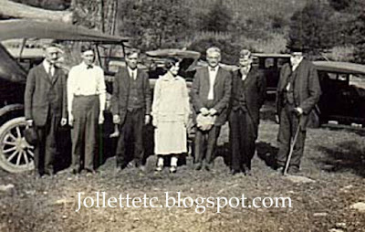 Spouses at a reunion before 1928 http://jollettetc.blogspot.com
