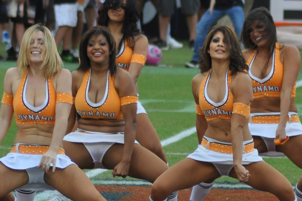 Hot Cheerleader Girls And Naked Women Photos