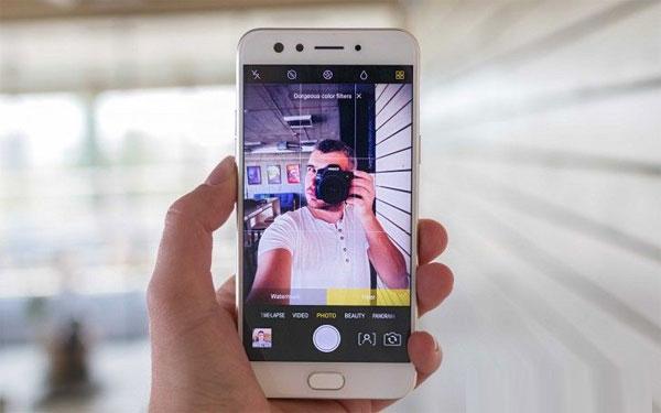 10 HP Smartphone Terbaik Buat Selfie Tahun 2017