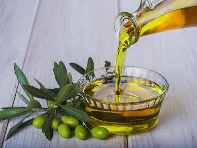 Menggunakan Olive Oil