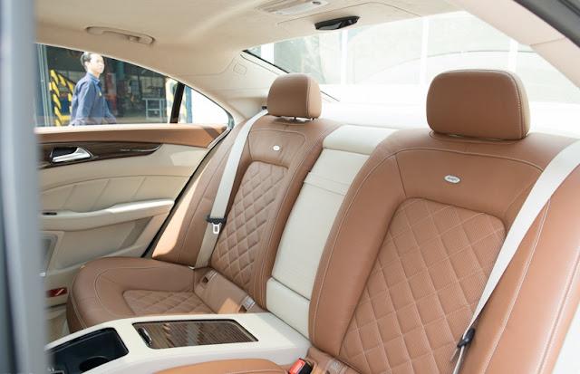 Băng sau Mercedes CLS 500 4MATIC thiết kế rộng rãi, thoải mái