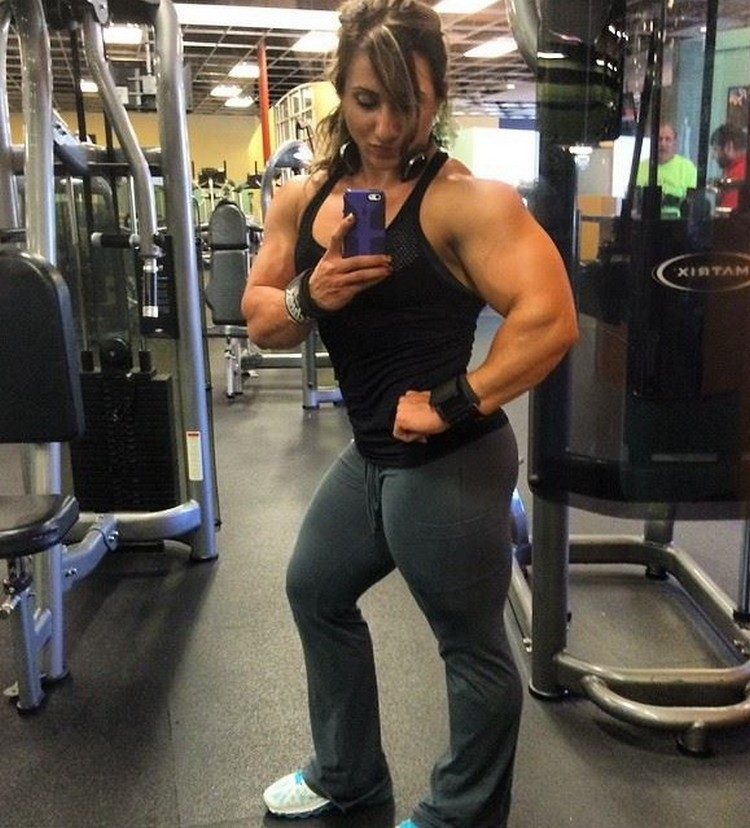 Girl with super strong muscle - SEXY MASSIVE Shannon