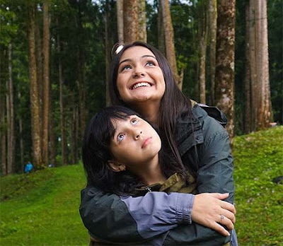 Gabriella Quinlyn dan Amanda Rawles
