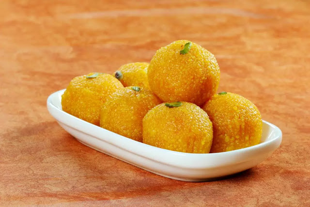 Motichur ke Ladoo Recipe in Hindi