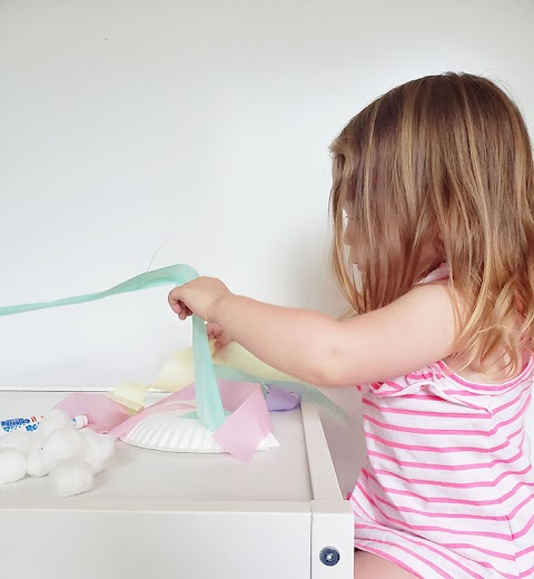 DIY Simple Dreamy Rainbow Cloud Craft for Toddlers
