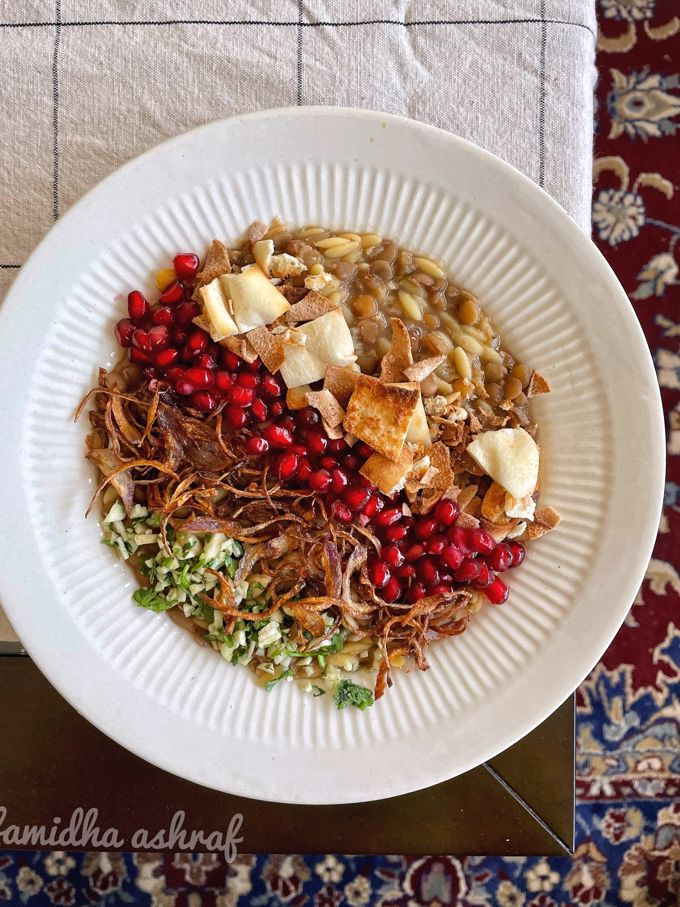 Horaa Osbao | Harraq Osbao | A Syrian Lentil & Pasta Stew
