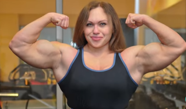 Video Female Bodybuilder displays her Beauty and Strength