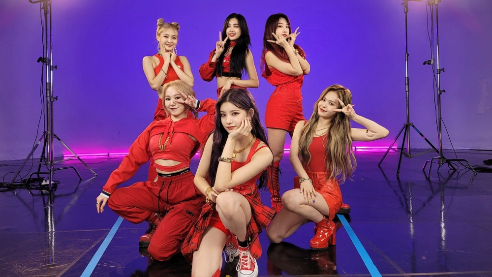 Doesn't Give Updates More Than 1 Month, EVERGLOW Worries Fans
