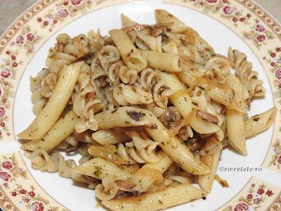 Reteta paste cu ciuperci si legume de post retete culinare mancare de penne si spirale italiana gatita rapid la tigaie,