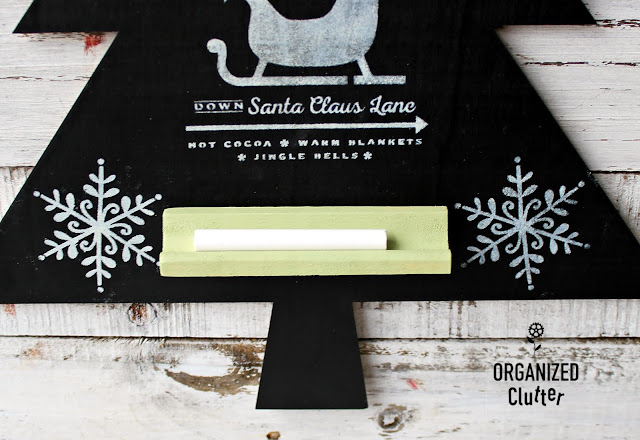 Upcycled & Stenciled Handmade Holiday Craft Christmas Tree Chalkboard  #Christmasdecor #chalkboards #joannfabrics #stencil #Christmastree #Christmascraft #upcycle #semihomemadeChristmasdecor