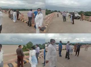 जालौन: अपर जिलाधिकारी ने पंचनद में बाढ़ वाले इलाके का किया निरीक्षण