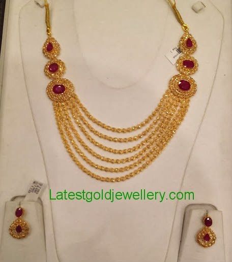 55c50fcf755be Uncut Diamond Necklace Set | Latest Gold Jewellery Designs