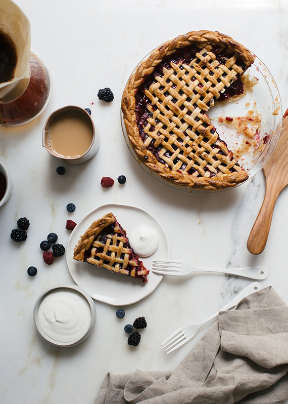 Summer berry pie recipe by A Cozy Kitchen