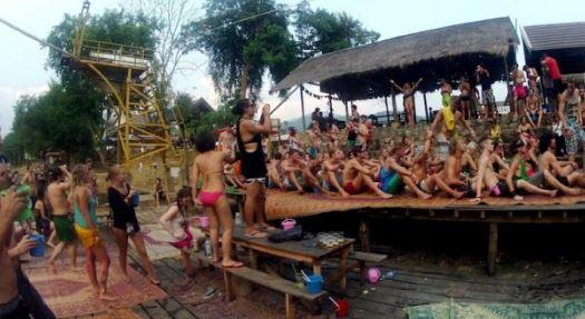 Desa Ibarat Syurga Buat Mereka Yang Kuat Berpesta
