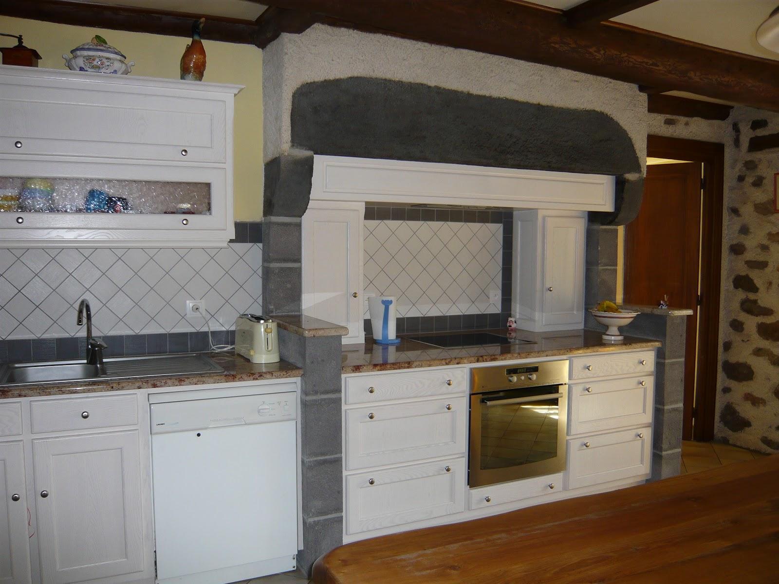 cuisine bois ancienne. Black Bedroom Furniture Sets. Home Design Ideas