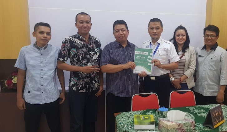 Yuk, Ke Simphony Orchestra Di Gumuk Pasir Barchan