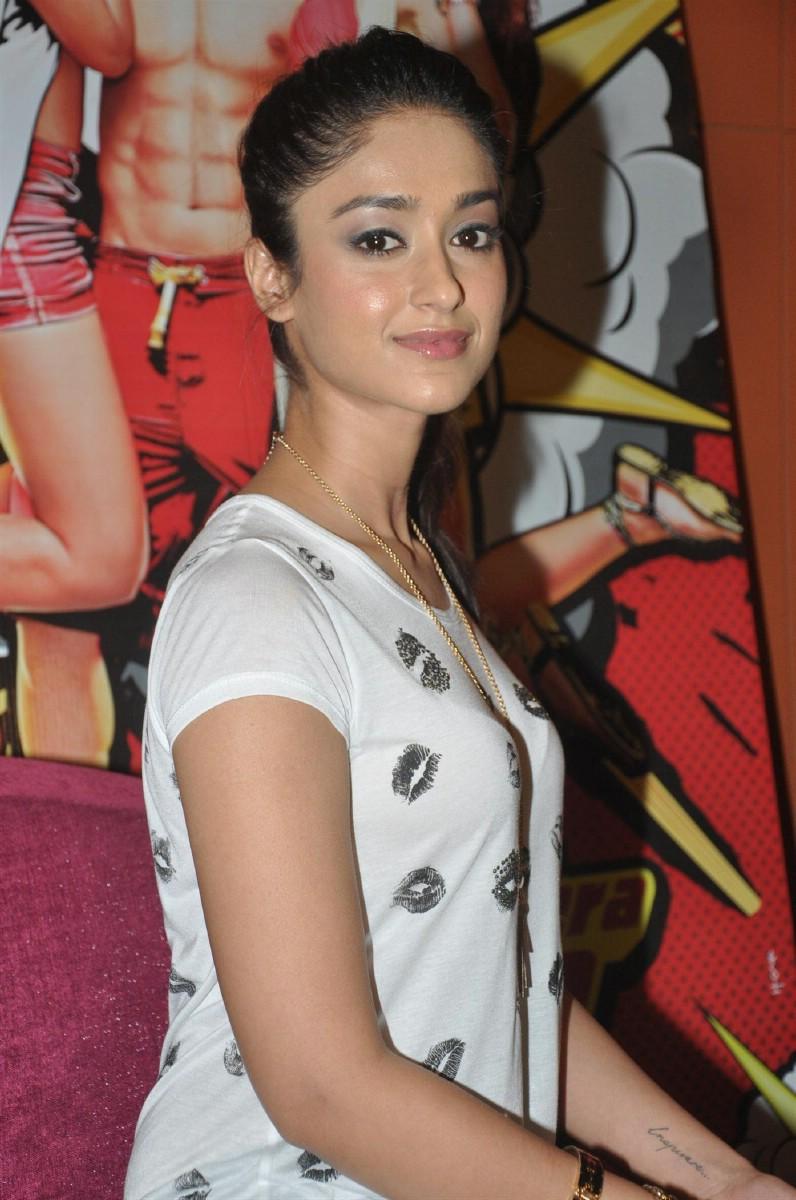 Actress in Tshirt