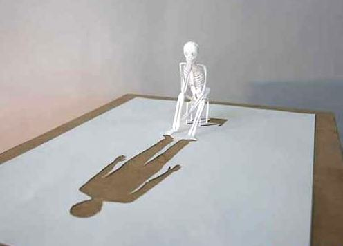 Karya Seni dari sehelai kertas putih