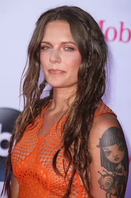 Cool Beauty Of Tove Lo