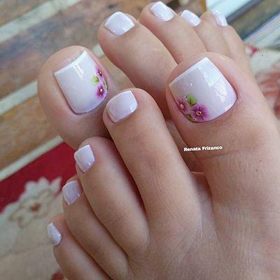 unhas dos pés decoradas branco e rosa