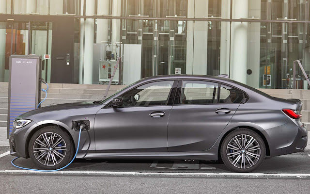 BMW aciona recall para modelos híbridos: bateria de alta voltagem pode ter curto-circuito e incendiar