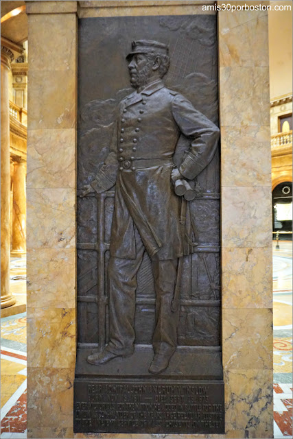 Relieve de John Winslow por William Couper en el Nurses Hall del Massachusetts State House