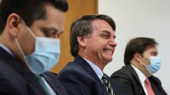 Justiça suspende decisão que obrigava Bolsonaro a usar máscara